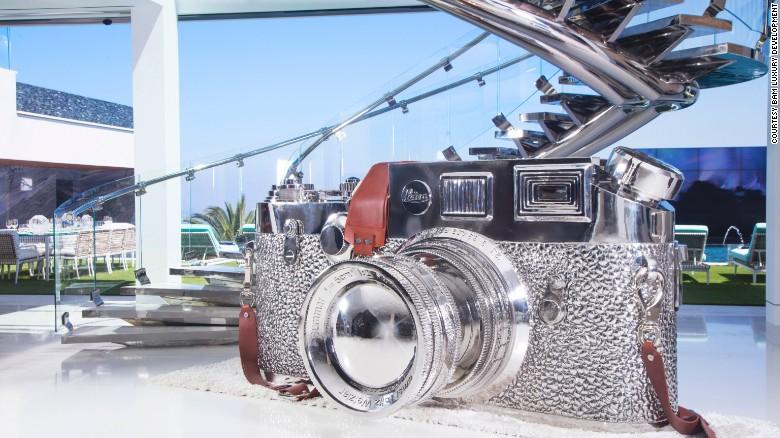 170120154712-leica-camera-artwork-exlarge-169