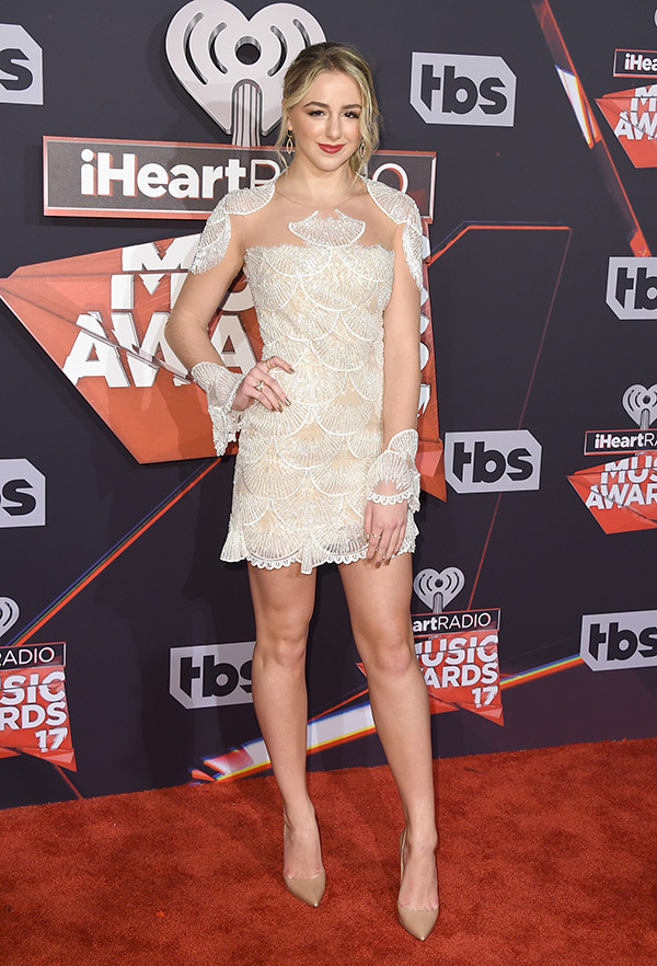 chloe-lukasiak-iheartradio-music-awards-2017