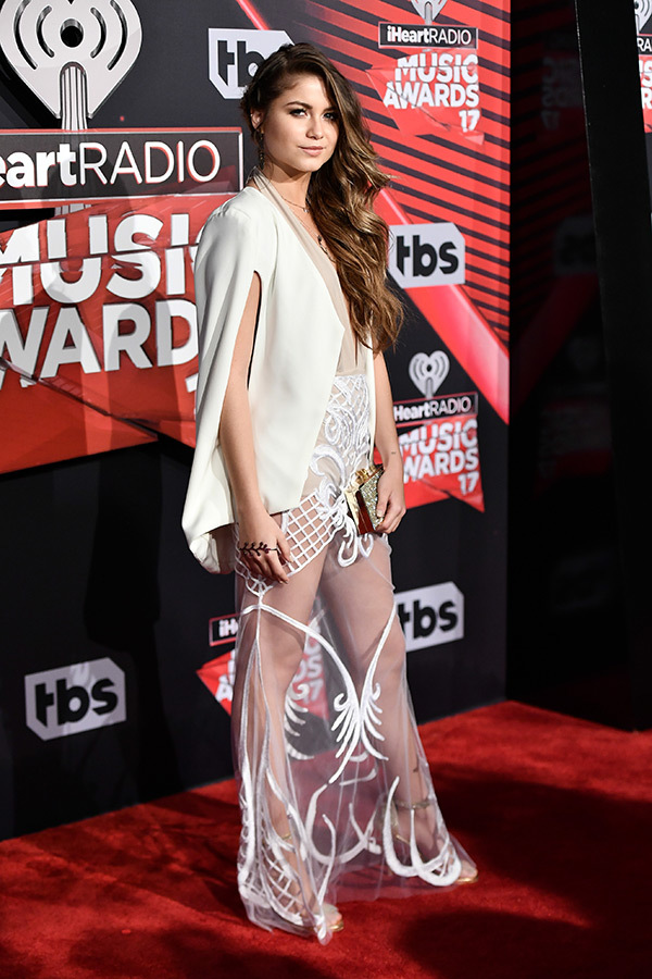 sofia-reyes-iheartradio-music-awards-2017
