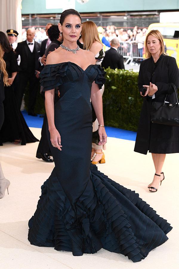 """Satriecošākie tērpi 2017.gada greznajā """"The Met Gala"""" ballē"""